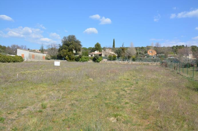 constructible land for sale in Provence