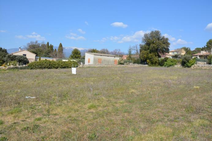 build your own house near Mont Ventoux