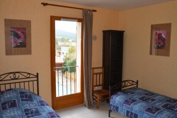 villa de haute gamme, location saisonnière, maison de vacances pour 8 personnes, clime, piscine chauffée