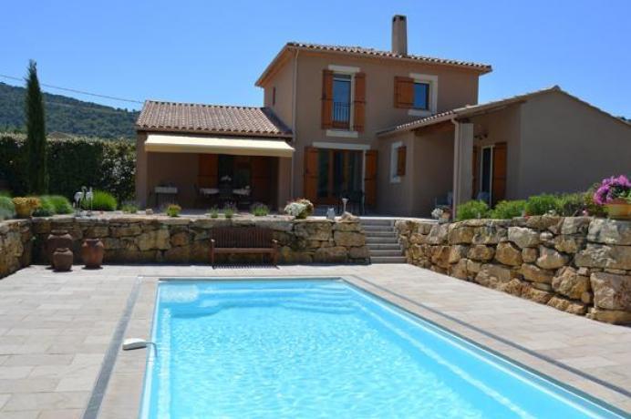 location saisonnière provence vaucluse mont ventoux luberon villa 8 personnes  région Mont Ventoux, piscine chauffée et climatisation