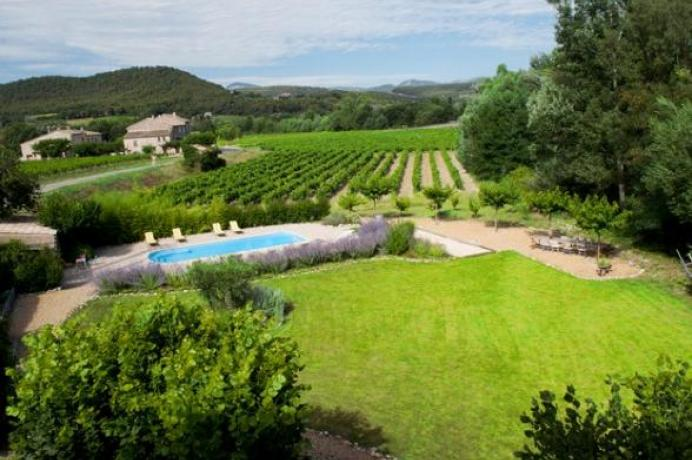 louer une villa de luxe en Provence pour 10 personnes avec vue sur le Mont Ventoux, climatisation et piscine chauffée