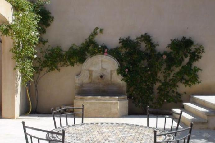 Vlaams vastgoedkantoor in de Provence, Luberon, verkoop en verhuur