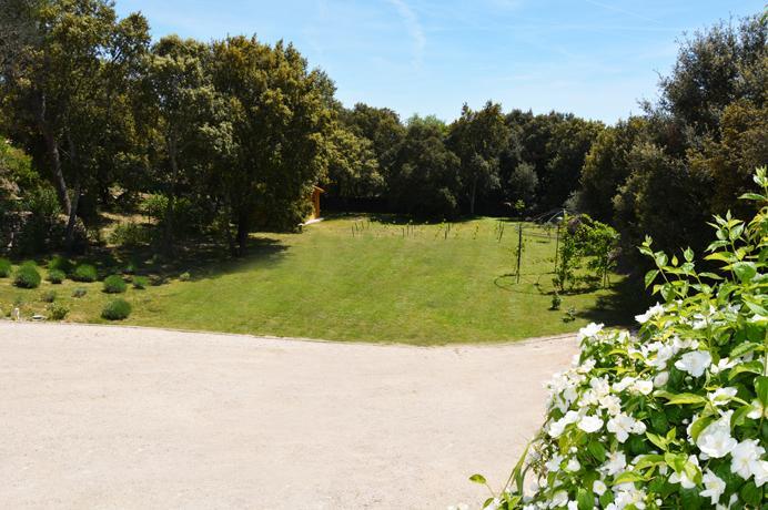 huis met grote tuin kopen in dorp in de Provence