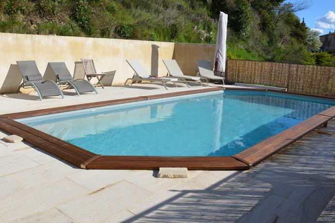 Ventoux Immo Provence, dorpshuis kopen met tuin en mooi zicht