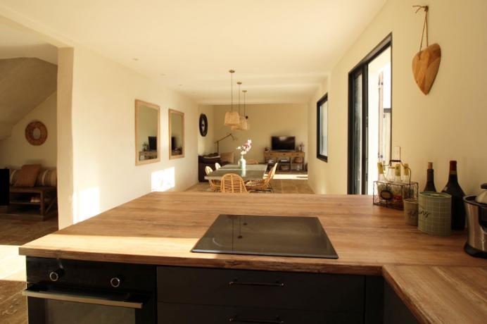vastgoed kopen en huren in de Provence via erkend kantoor, villa met tuin en mooi zicht