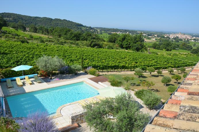 vastgoed kopen tussen de wijngaarden in de Provence met prachtig uitzicht