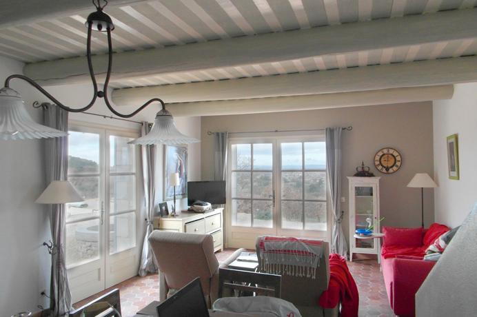pracht instapklaar huis kopen in de Provence met 3 slaapkamers, 2 badkamers, groot zwembad en poolhouse bij een erkend Belgisch makelaar