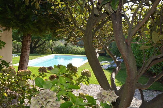 luxe villa kopen met prachtig zicht  in de Provence voor vakantieverhuur in Zuid-Frankrijk