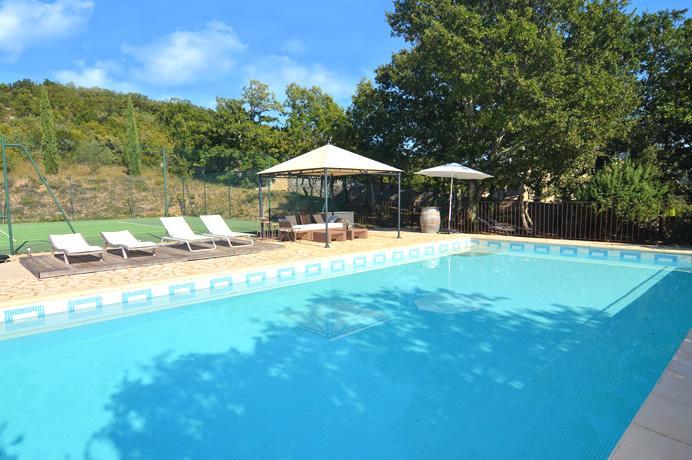for sale villa with four bedrooms en four bathrooms in Provence Gard Uzès