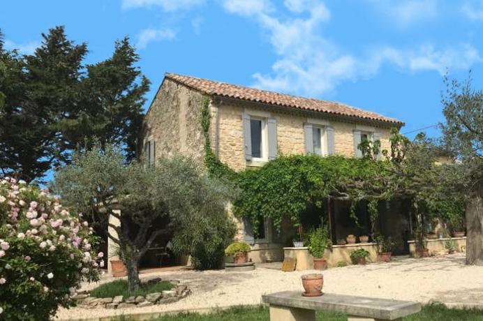 mas Provençal rénové à vendre proche Carpentras