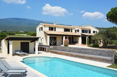 location saisonnière en Provence, louer une villa de luxe à Bédoin,  région Vaucluse, avec belle vue sur le Mont Ventoux