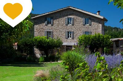 location saisonnière en Provence, louer une villa de luxe au Crestet, près de Vaison, région Vaucluse, Mont Ventoux