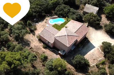 huis kopen met zwembad en zicht op de Mont Ventoux in Zuid-Frankrijk, Provence