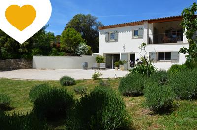 instapklare moderne villa met grote tuin te koop in Zuid-Frankrijk, Provence aan de voet van de Mont Ventoux