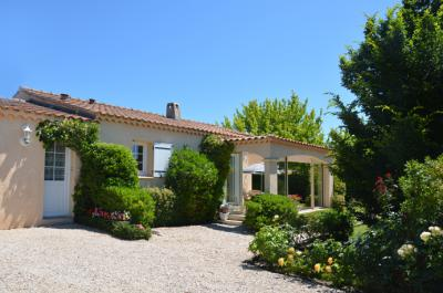 3 bedroom home for sale in Mormoiron south of Mont Ventoux