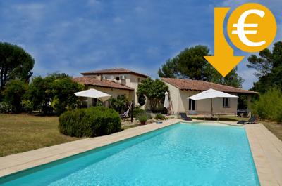belle villa d'architecte avec très grande piscine et beau jardin à vendre région Mont Ventoux Sud